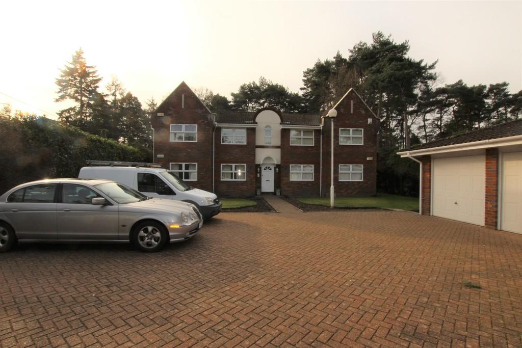 Dudsbury Crescent, Ferndown BH22