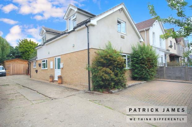 Harlyn Bradfield Road,  Manningtree, CO11