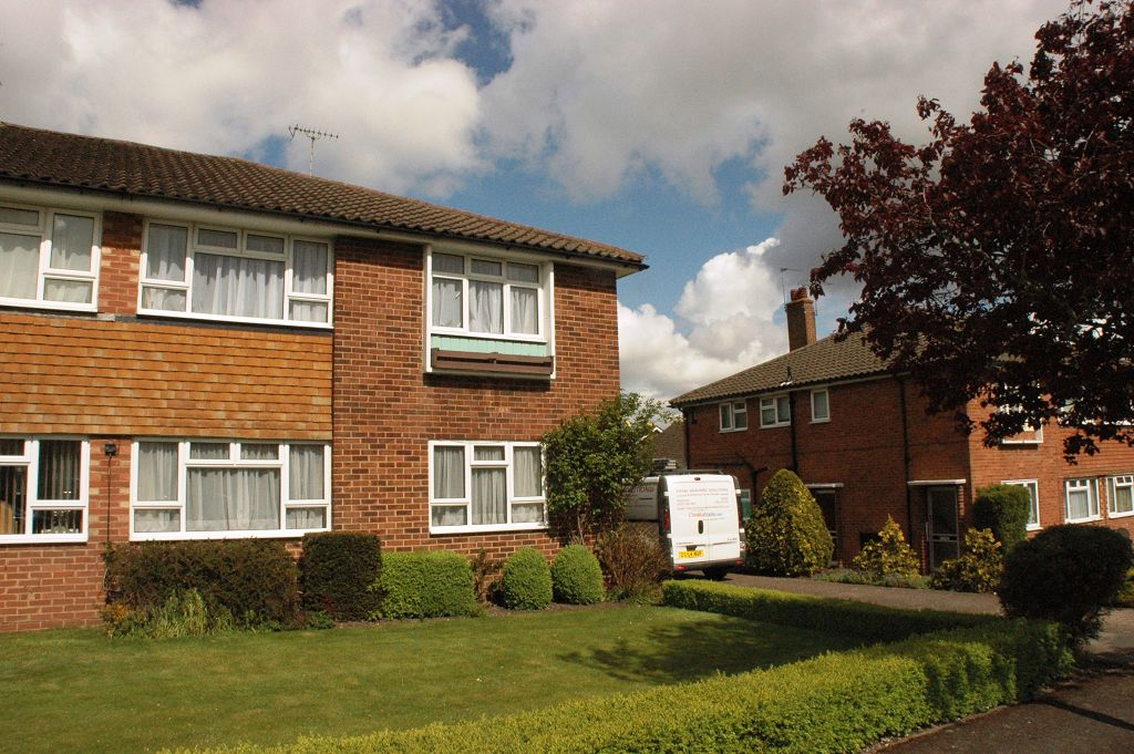 Andrews Close, Epsom, KT17 4EX