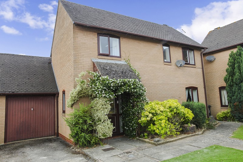 St. Peters Court, Moreton-in-Marsh, Gloucestershire. GL56 0ES