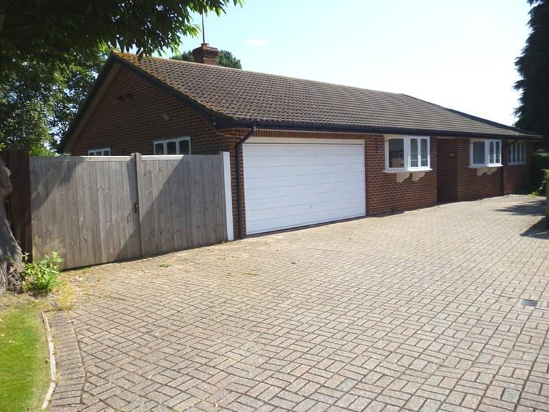 Wareham Road, Corfe Mullen, Wimborne, Dorset, BH21