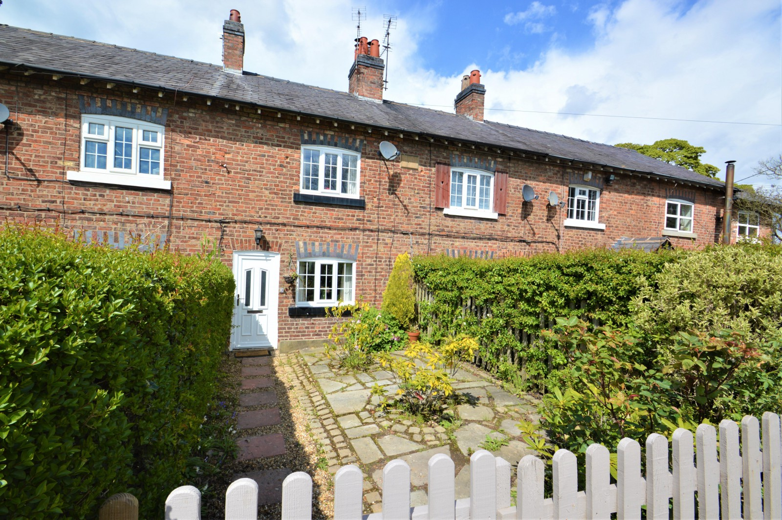 Hawthorn View Cottages, Lindow End, Mobberley