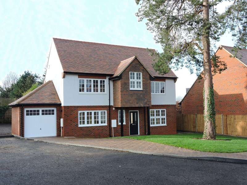 Milton Way, Fetcham, Leatherhead KT22