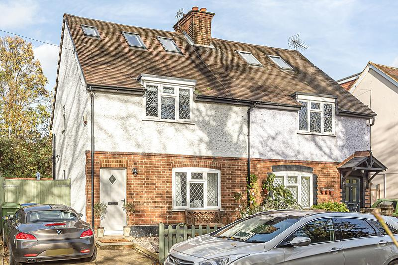 Lower Green Road, KT10 8HB