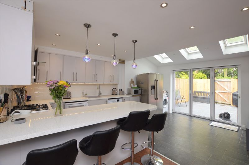 Barnaby Close, Downton                                                                ** Video Tour **