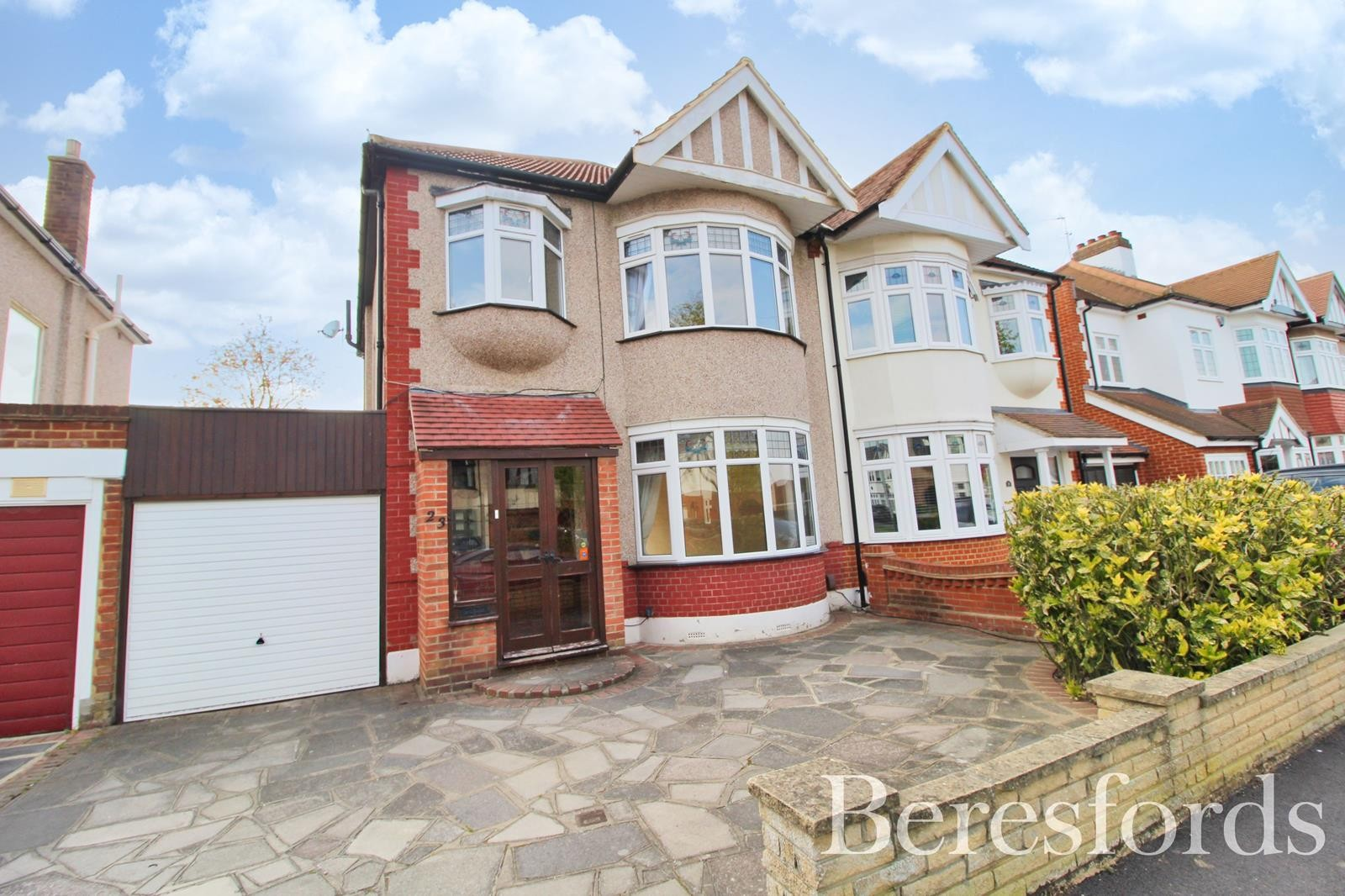 Oak Avenue, Upminster, Essex, RM14