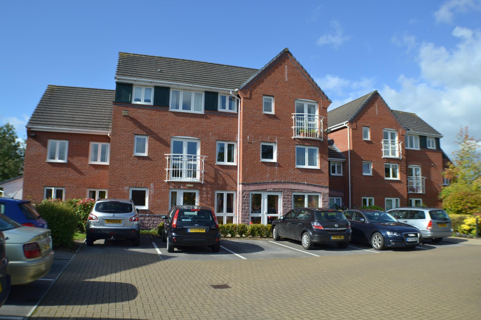 Lovell Court, Parkway, Holmes Chapel