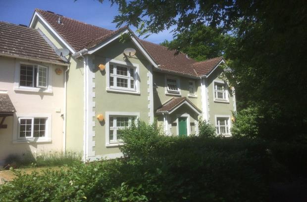 Pigeons Close, Bramley, Tadley