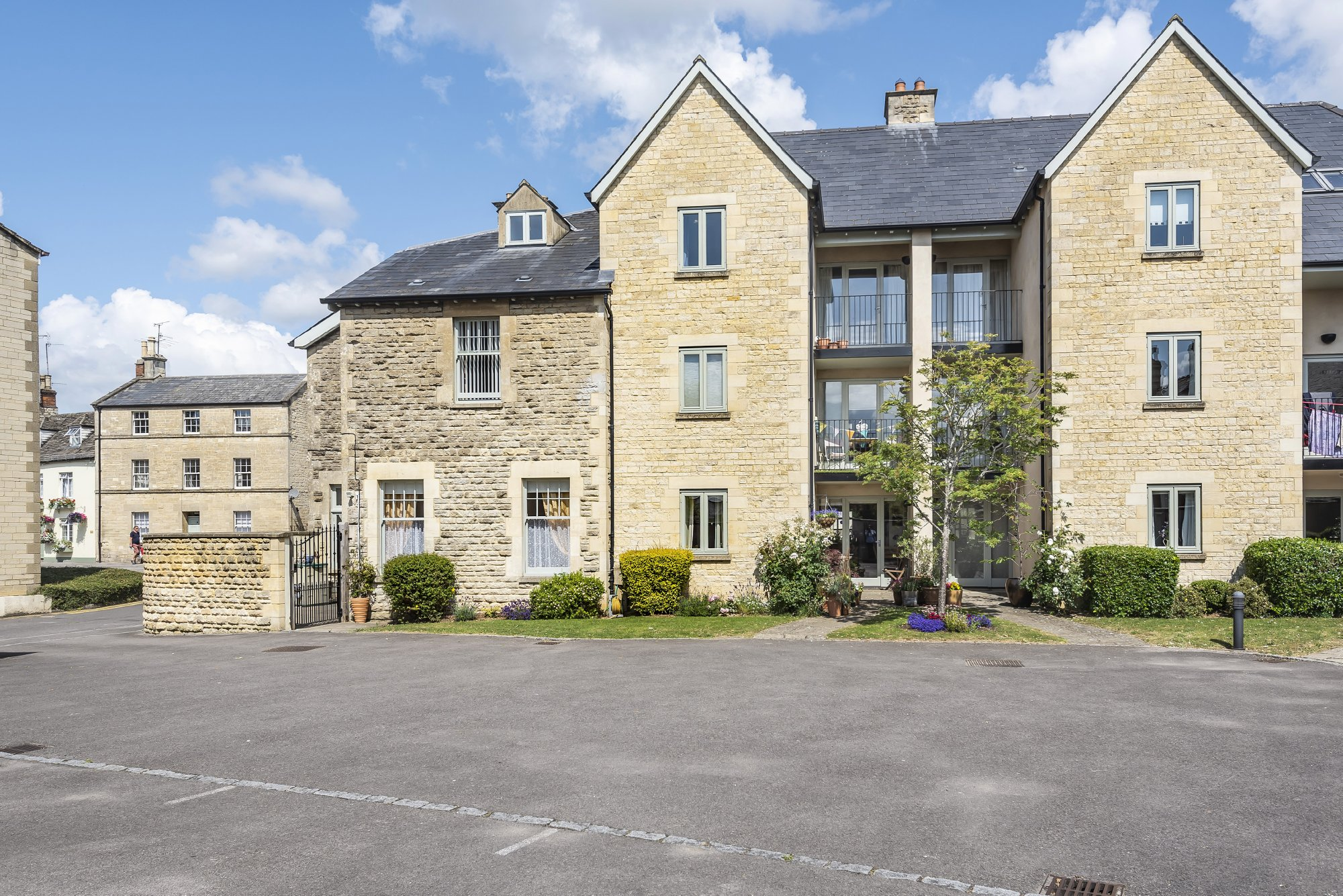 London Place, 2-4 London Road, Cirencester, GL7