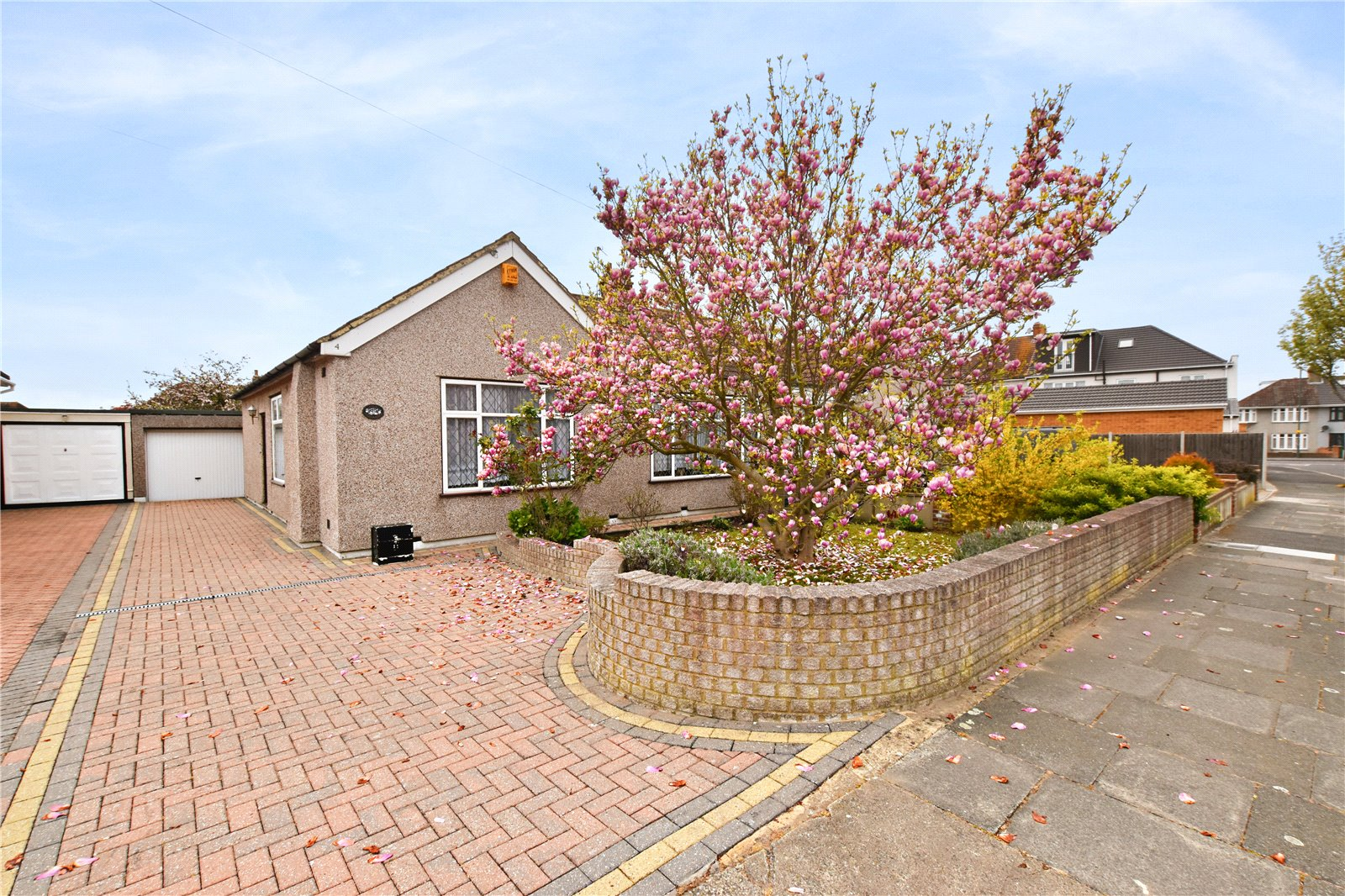 Bowford Avenue, Bexleyheath, Kent, DA7