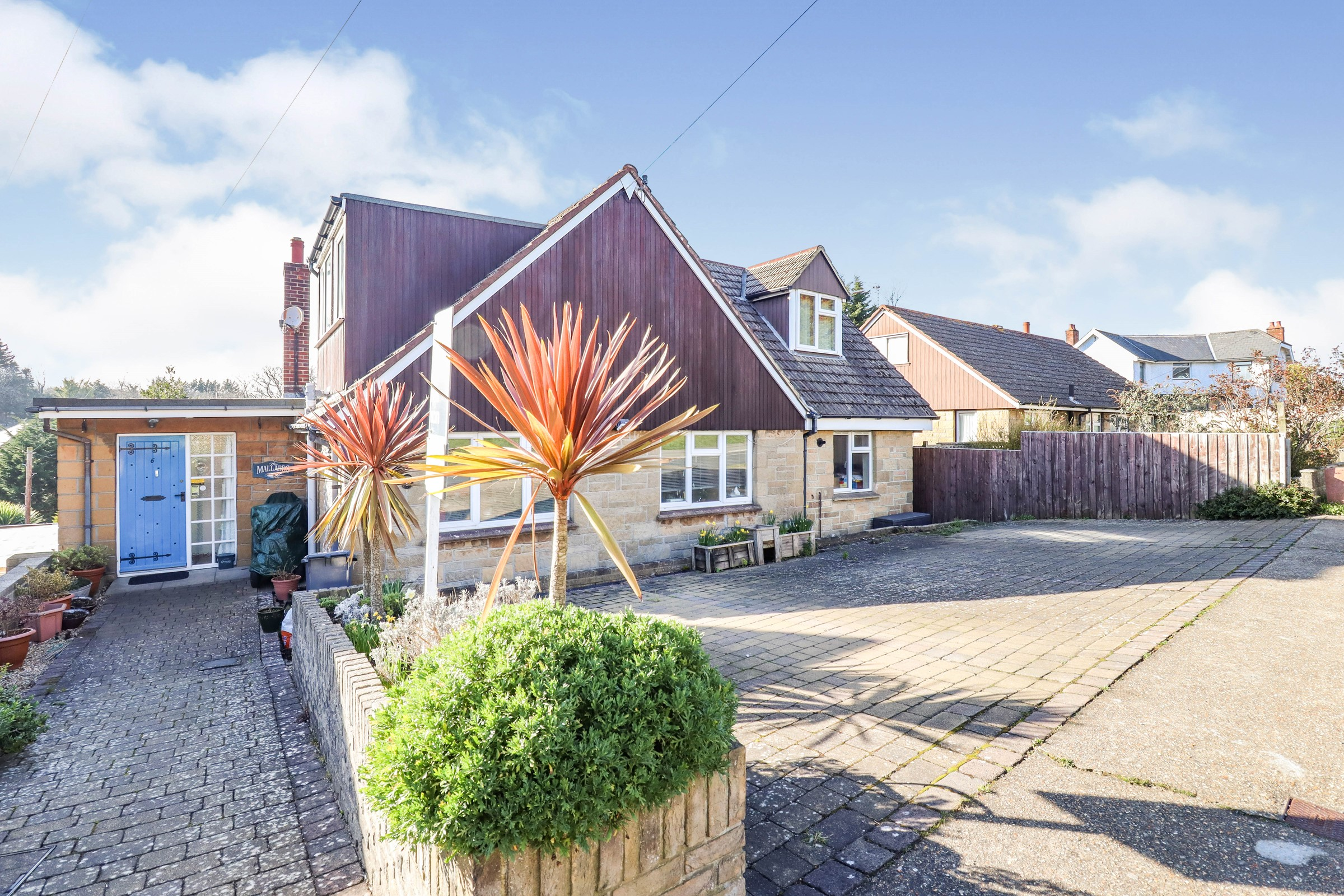 Landguard Manor Rd, Shanklin, Isle Of Wight, ., PO37