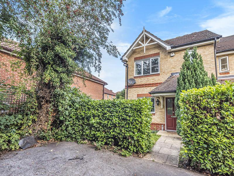 Fairfax Close, Reading, RG4 6DA