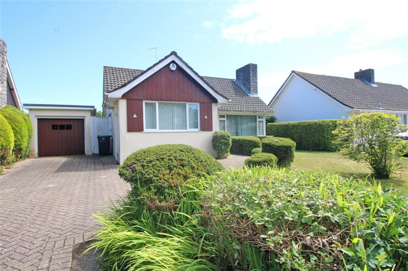 Braemar Drive, Highcliffe, Christchurch, Dorset, BH23