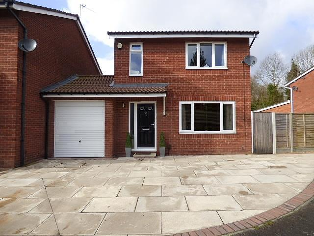 Eccleston Close, Birchwood, Warrington, WA3  7NL