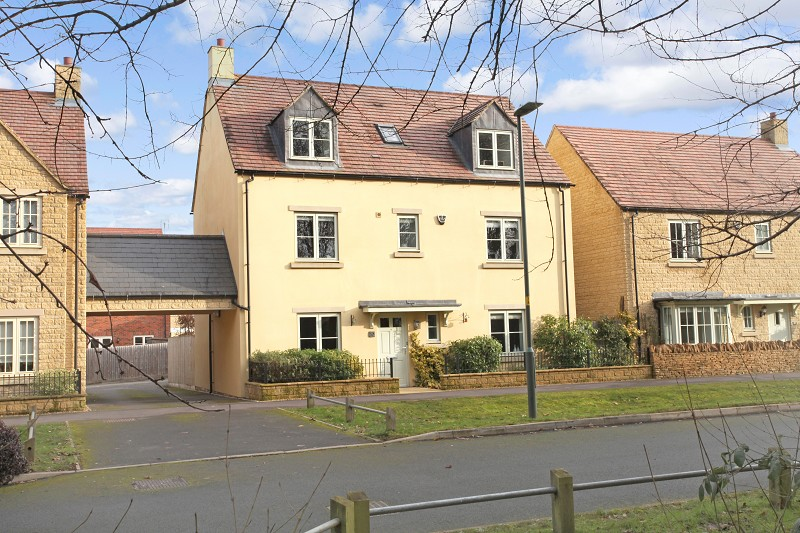 Summers Way, Moreton-in-Marsh, Gloucestershire. GL56 0GA