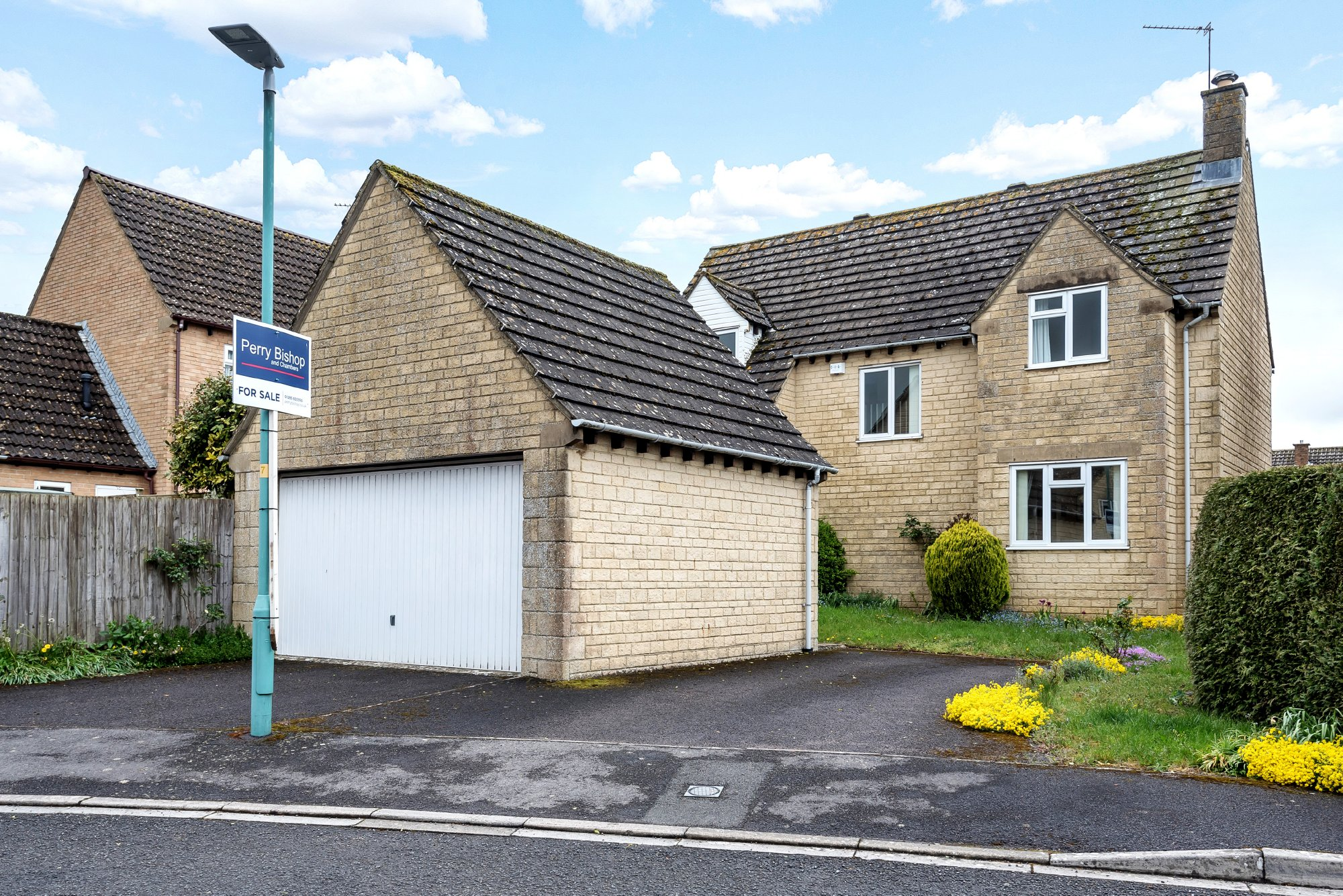 Roberts Close, Cirencester