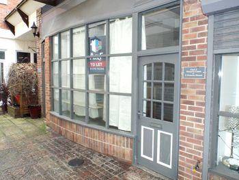 Unit3, Victoria Court Shop, Burnham-on-sea