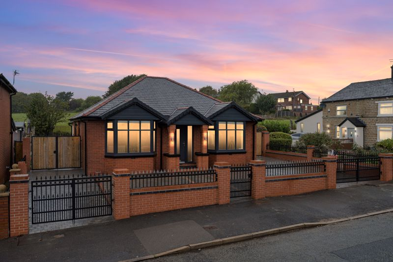 Spacious, Fully Modernised, Detached, 3-bed, True Bungalow, Starling Road, Bl8