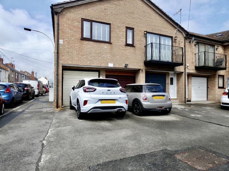 Old Hall Road, Chesterfield, Derbyshire, S40
