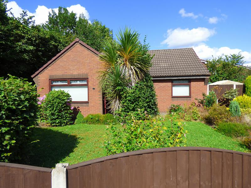 Pendine Close, Callands, WA5  9RG