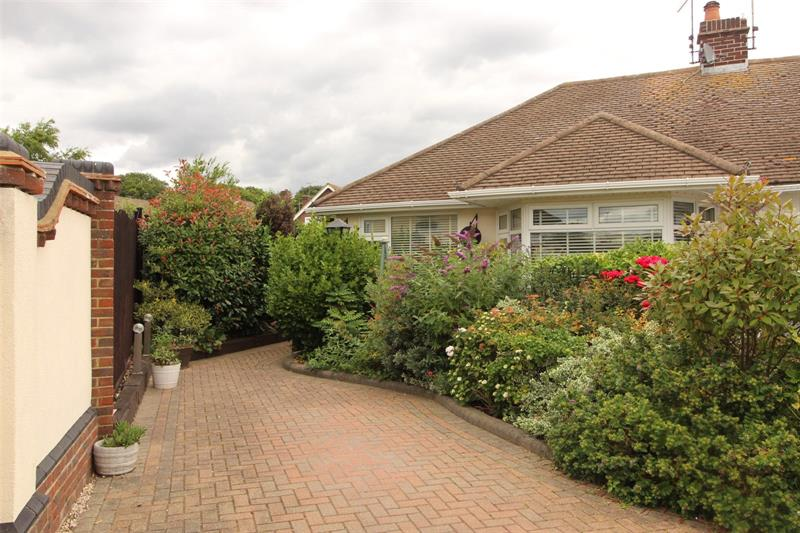 Fairway Gardens Close, Leigh-on-Sea, Essex, SS9
