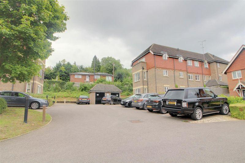 Park View, Caterham