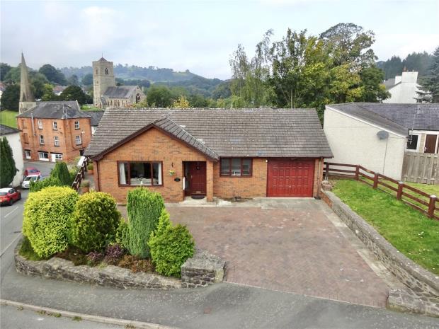 Wesley Street, Llanfair Caereinion, Welshpool, Powys