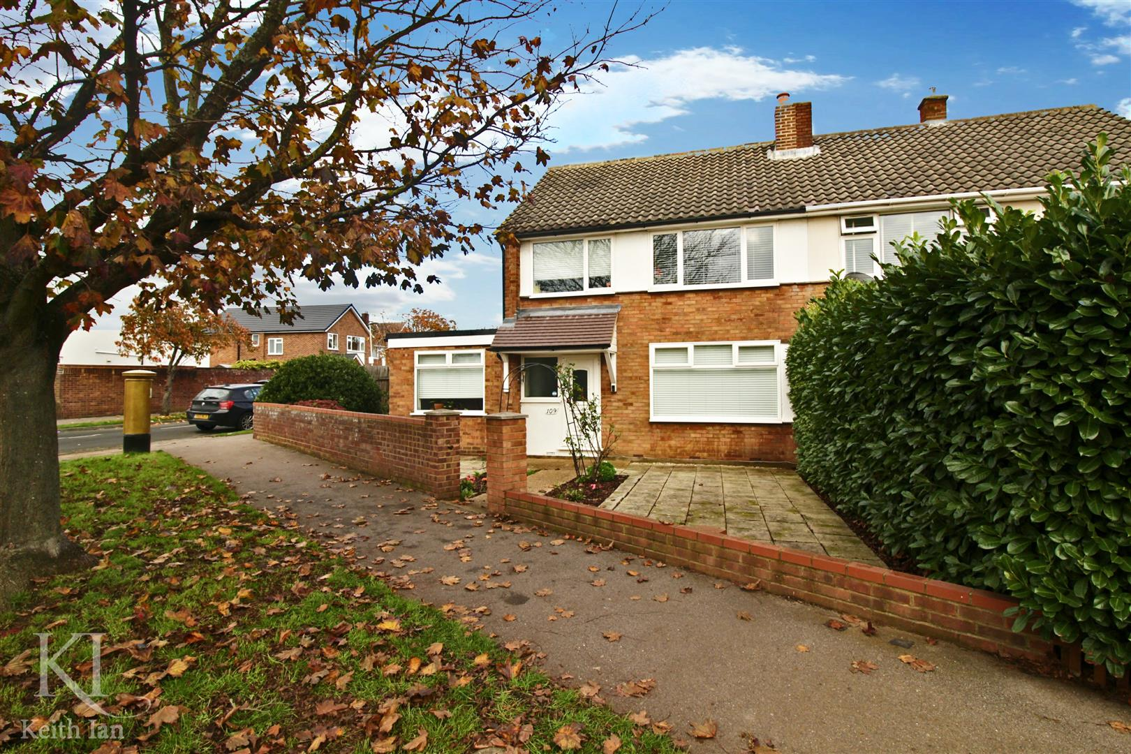Cadmore Lane, Cheshunt, Spacious 4 Bedroom Semi, Walking Distance To BR