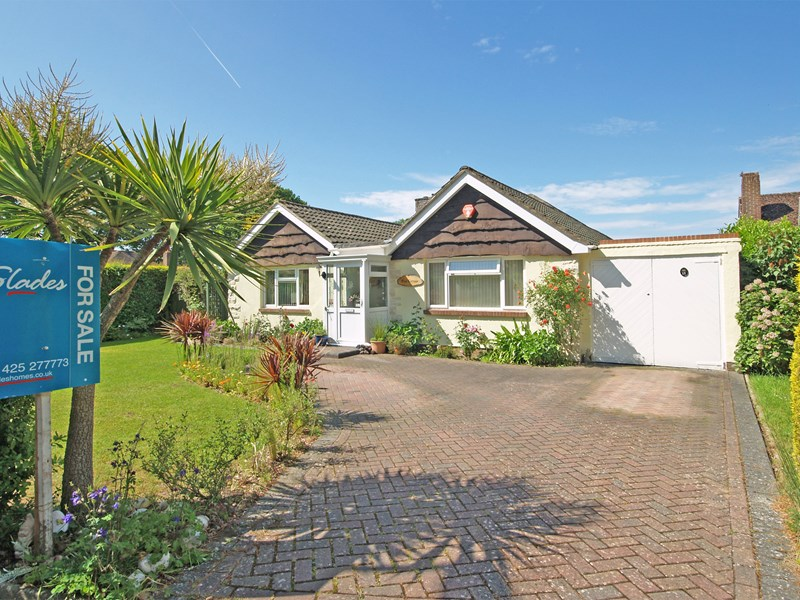 Amberwood Gardens, Highcliffe, Christchurch, Dorset, BH23