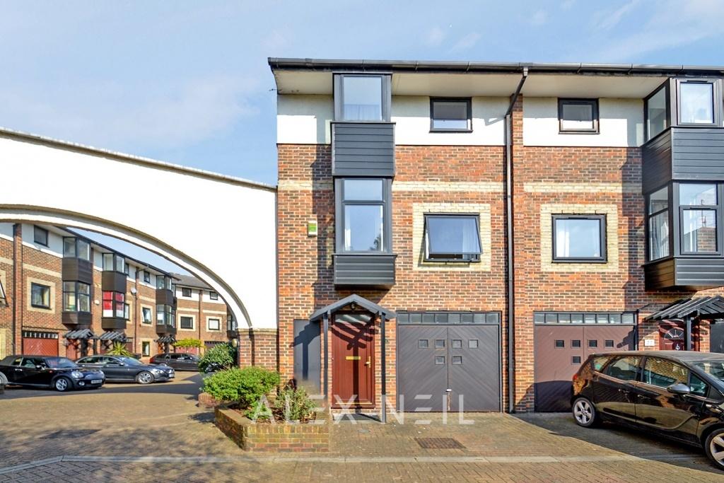 Barnfield Place, Canary Wharf E14
