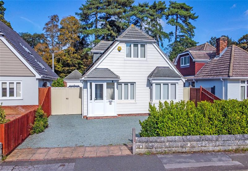 Wellington Avenue, Friars Cliff, Christchurch, BH23