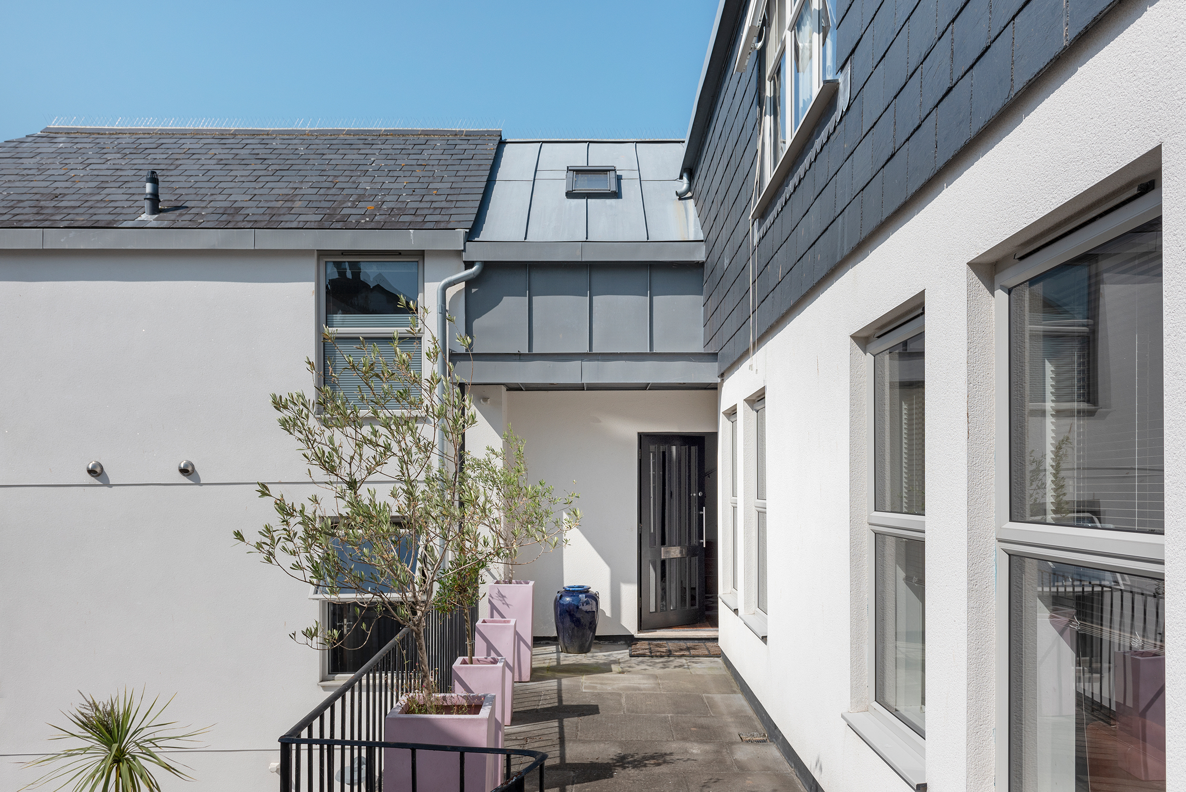 The Lodge, Clarence Hill, Dartmouth, Devon, TQ6 9NX