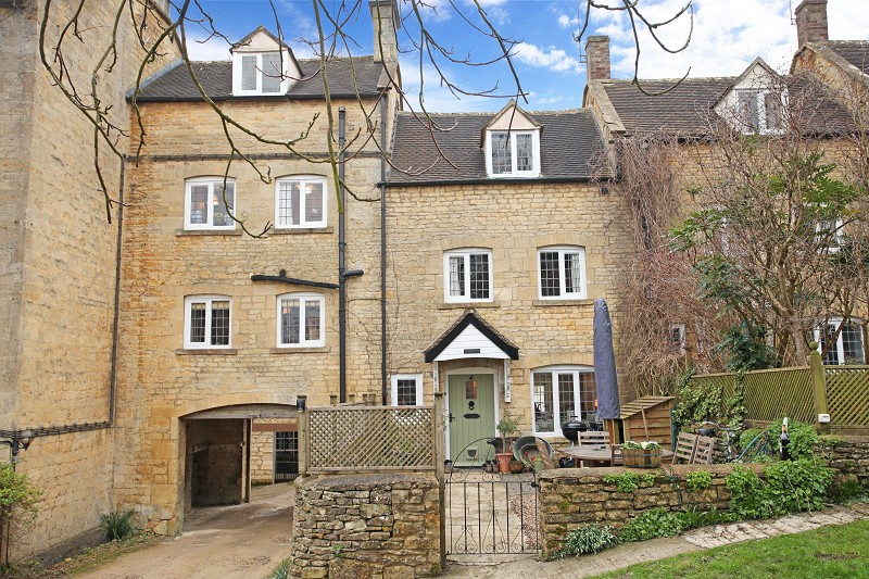 4 Court Cottages, Blockley Court, Blockley, Moreton-in-marsh, Gloucestershire. GL56 9BT