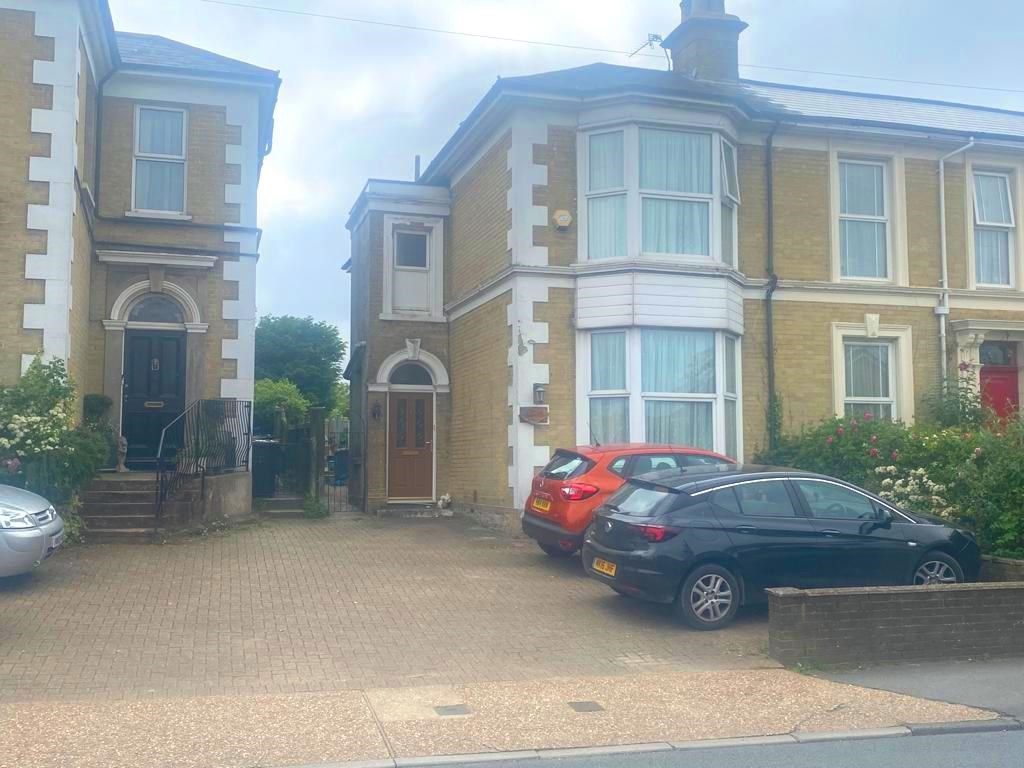 Binstead Rd, Ryde, Isle Of Wight, PO33