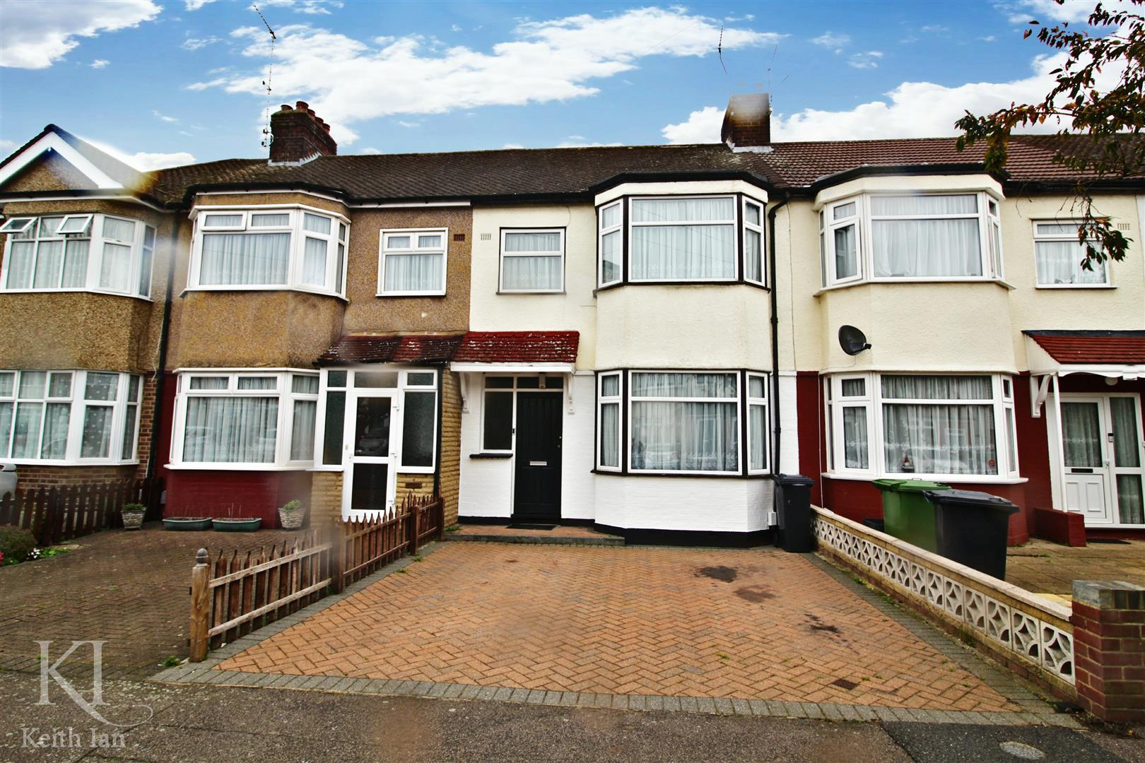Southfield Road, Waltham Cross - Stunning 3 Bedroom Family Home