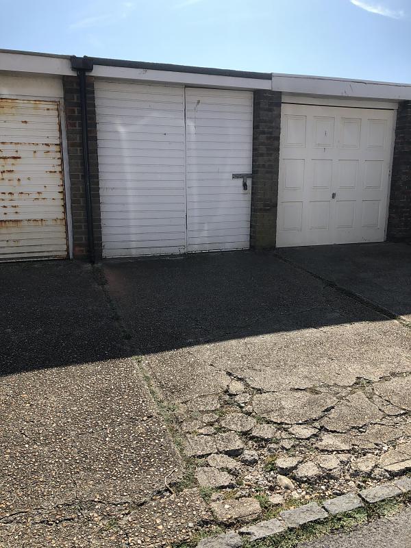 Garage Dane Close, BN25