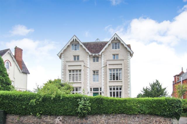 Lansdowne Court, 42 Priory Road, Malvern, WR14