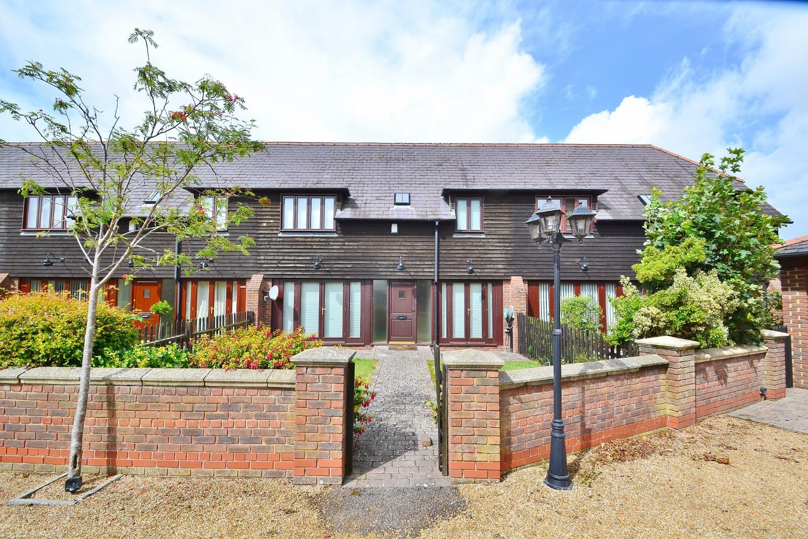 Lake Farm Close, Longham, Ferndown