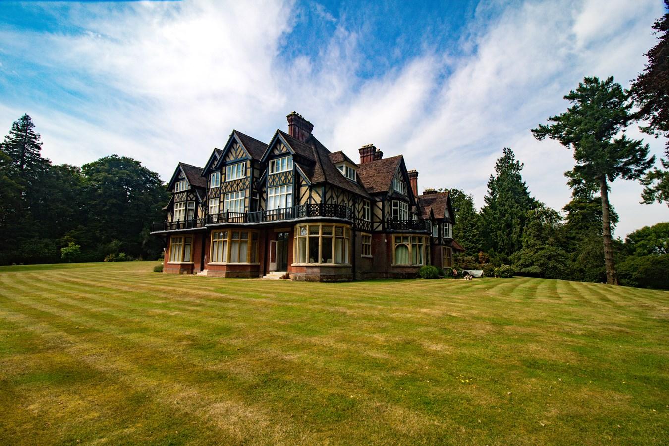 Castle Malwood Lodge, Minstead, Lyndhurst, SO43