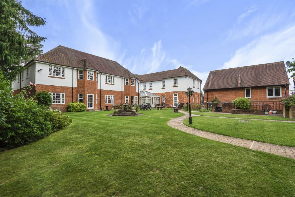 Henley-On-Thames, South Oxfordshire, RG9