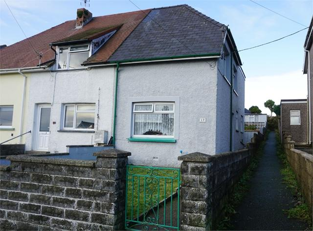 17 Harbour Village, Goodwick, Pembrokeshire