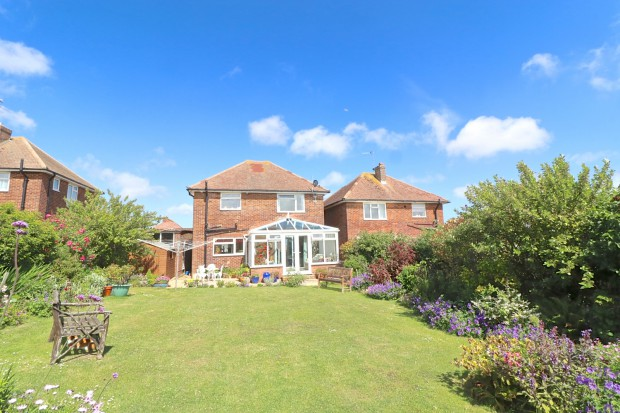 Meadowlands Avenue,  Eastbourne, BN22