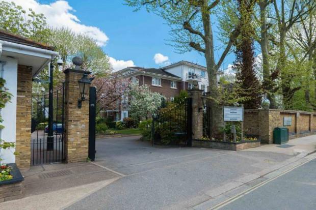 Brompton Park Crescent,  Fulham, SW6