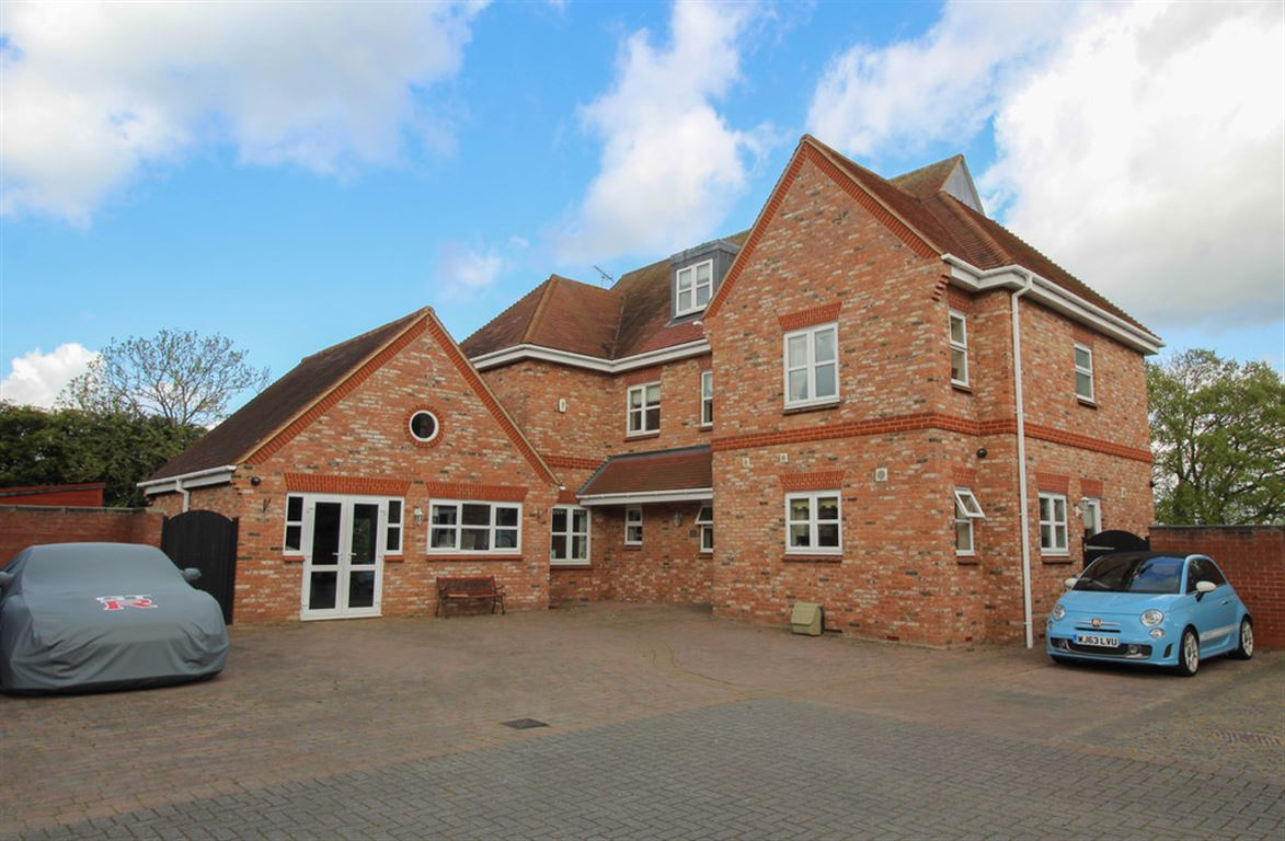 Berne Hall Court, Wickford, Wickford, Essex
