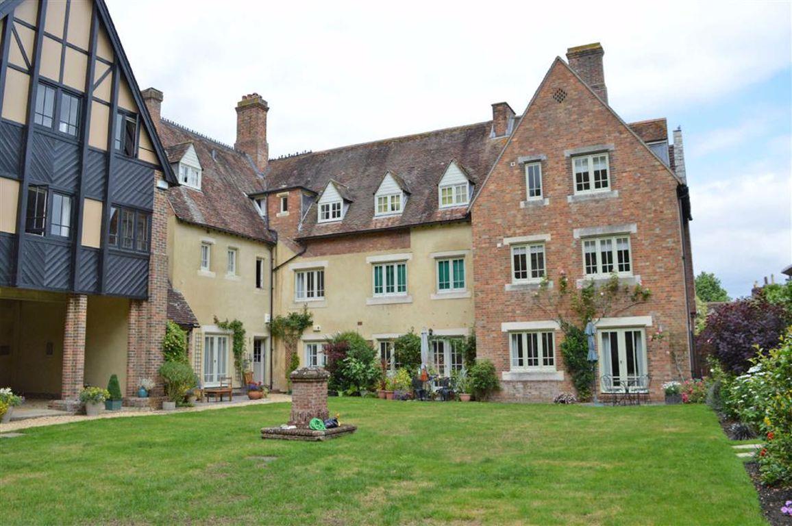 Queen Elizabeth Court, Wimborne, Dorset