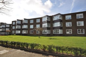 Astell Court, The Crescent, The Crescent, Frinton-on-sea