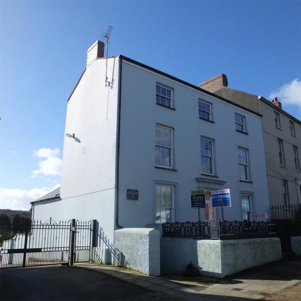 Flat 4, Tudor House, 115 Main Street, Pembroke