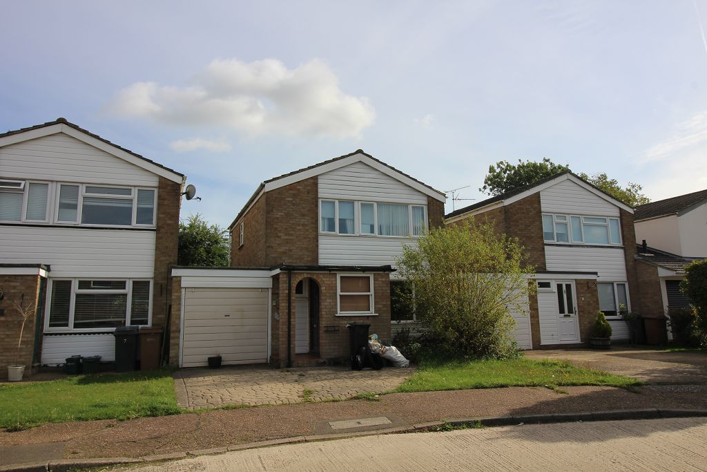 Hillview, Bicknacre, Chelmsford, CM3 4HU