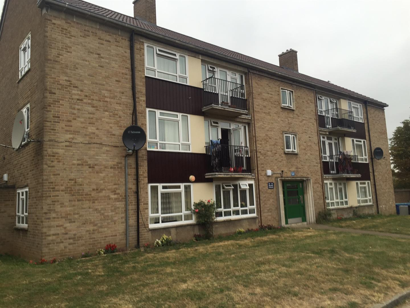 Mayfield Crescent, Edmonton, N9