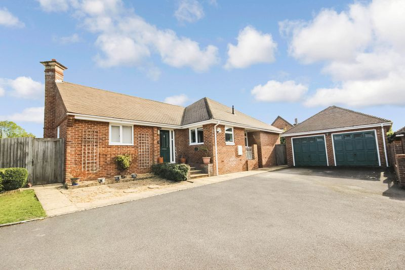 Tanners Close, Winterbourne Earls, Sp4
